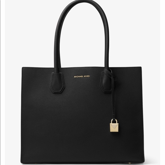 2e432b2c64ba MICHAEL KORS Mercer Extra Large Leather Tote. M 5ae7ba1485e605950349a9ac